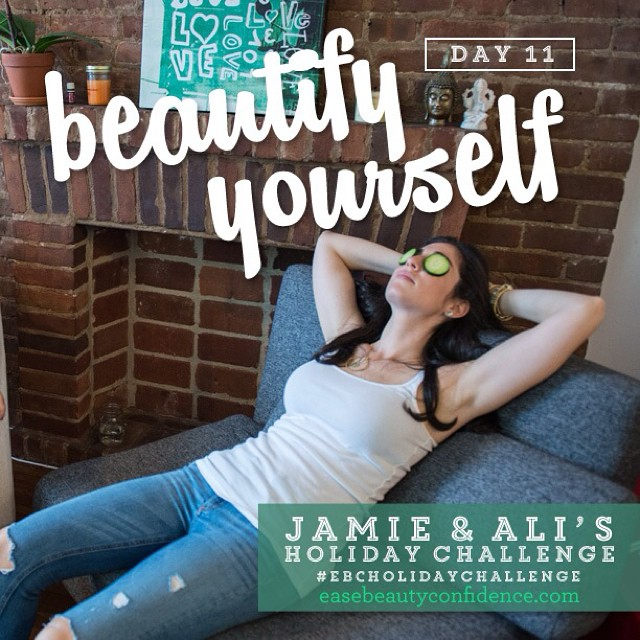 This image cracks me up every time. It's Day 11 of the #ebcholidaychallenge and we're talking about doing something beautiful for your skin in the evening. I'm a culprit of sometimes not taking enough time to