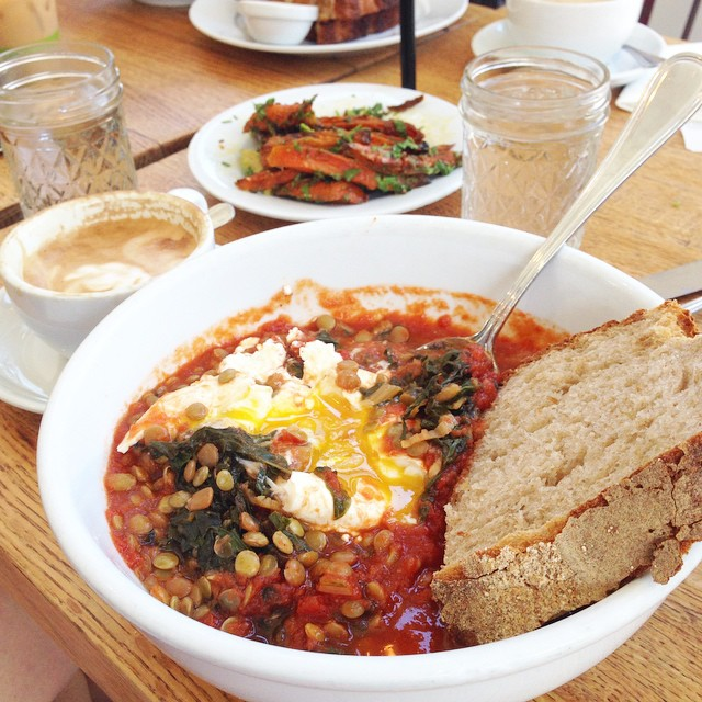 The food here is so good. So much food to eat, not enough days! This is lentil ragu with swiss chard, poached eggs, feta and country bread #lalife #brunch